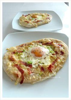 Penne im Topf: Frühstücks – Fladen mit Käse, Schinken und Ei
