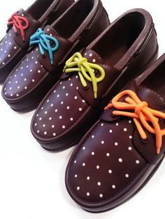 Women's fashion shoes made from chocolate - www.cacao-lab.it