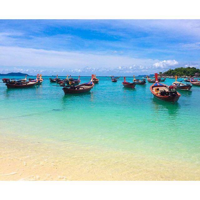 """日本人の海外渡航先としても大人気の、東南アジアの観光大国「タイ」。そんなタイには美しいビーチがいくつも存在していますが、""""タイ最後の楽園""""と称されるある島が。その島の名は「リピ島」。一体、どんな絶景が待っているのでしょうか。"""