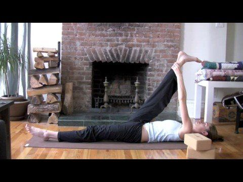 Tara Stiles | Yoga for Less Stress (2 yoga blocks used - I did bridge pose instead) ~4min. tg
