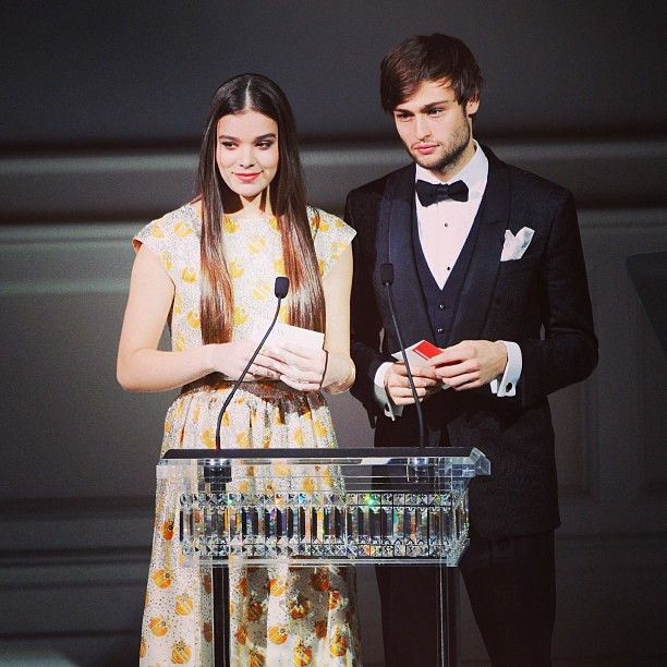 Is hailee steinfeld dating douglas booth Douglas Booth Girlfriend, Dating, Shirtless or Gay