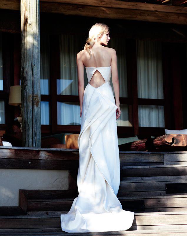 Trendy Wedding, blog idées et inspirations mariage ♥ French Wedding Blog: {le dos de la mariée} sculptural