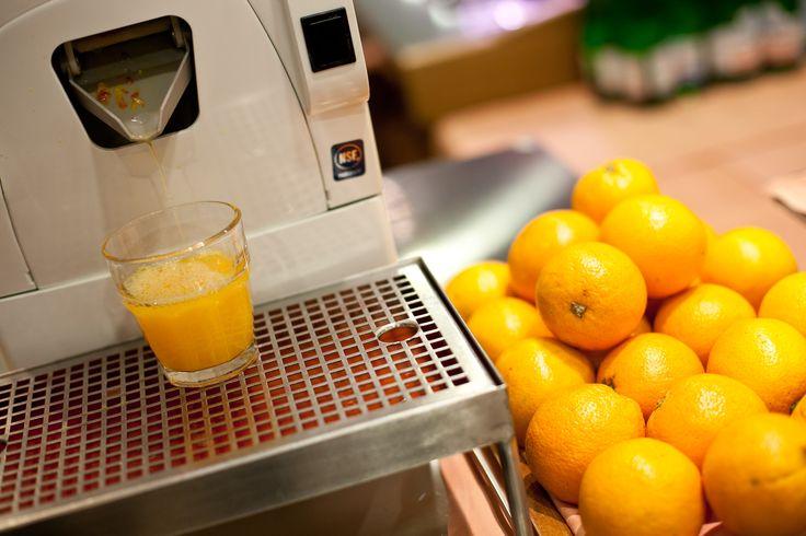 #DavidBarAndRestaurant #Breakfast #Juice #Oranges #Fruit