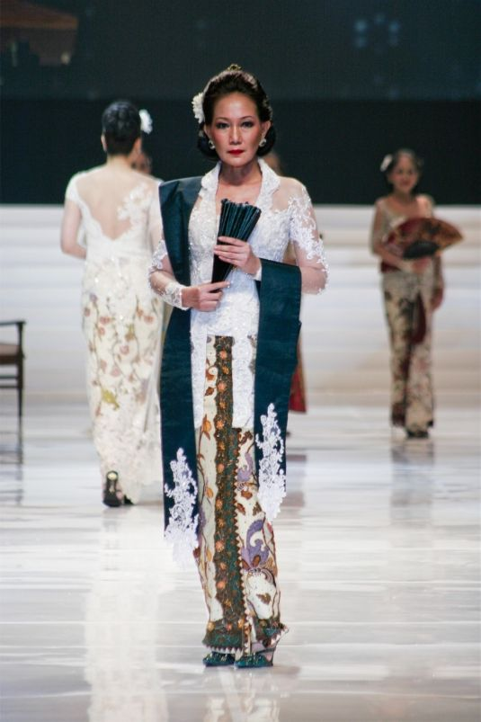 a Portrait of a Lady Aristocrate of Indonesia with Kebaya dress.
