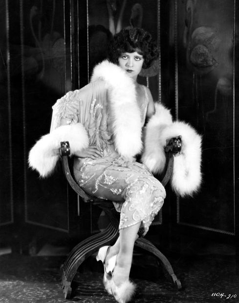 Clara Bow  #vintage #fashion #fur #flapper #1920s : 1920 S, Vintage Fashion, Clara Bows, Bows 1920S, 1920S Flappers, Bows Vintage, Feathers Trim, Bows Clarabow, Vintage Style