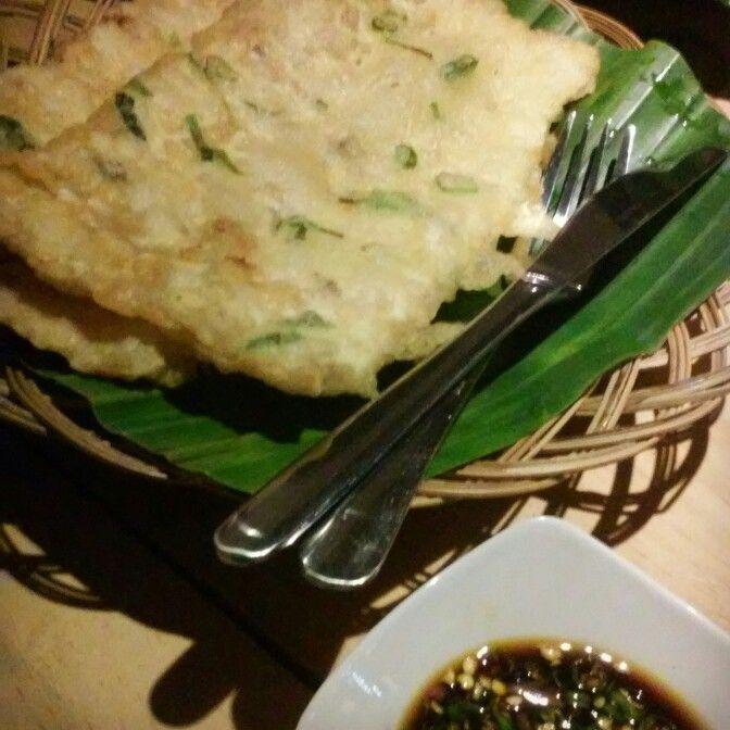 Mendoan Buto | Deep fried tempeh
