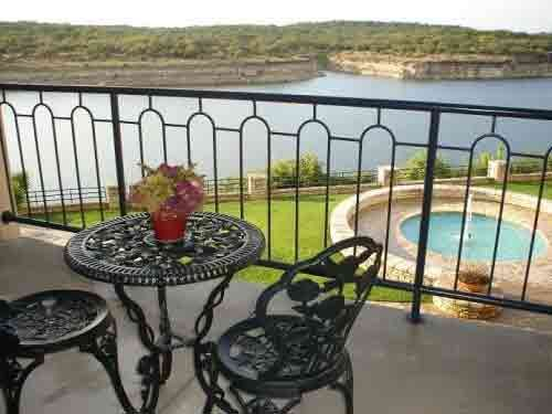 Lago Vista condo near Lake Travis
