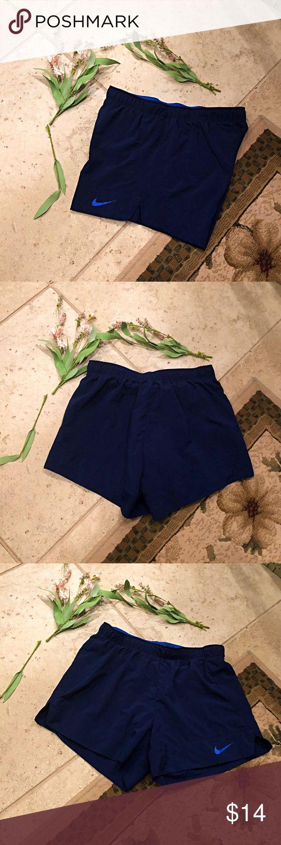 Nike Shorts Damen navy Nike Shorts mit blauem Nike Check unten links …   – My Posh Picks