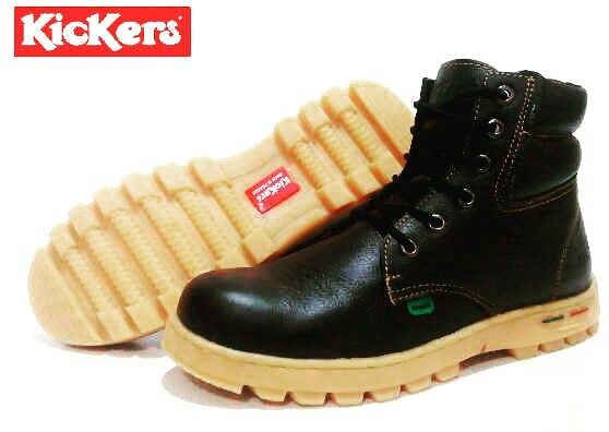 Kickers Boots Size 39-44 Rp.315.000 US$  23.3 Order & Info : Bbm 76ab29bb Whatsapp 082118119296 Line : shoestore_bdgco Sms/call 082118119296 Www.shoestorebdg.com Open Order