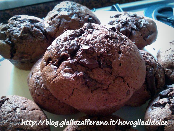 Chi riesce a resistere a questi incredibili muffin al doppio cioccolato?Sono velocissimi da fare e super facili!
