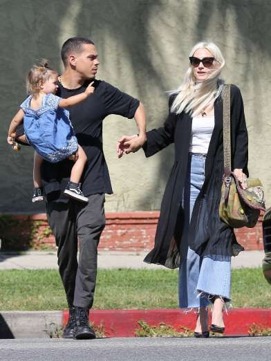 Celebrity PDA of 2017 - December 11, 2017:  Ashlee Simpson and husband Evan Ross held hands as they walked down Ventura Boulevard in Los Angeles with daughter Jagger on April 2.