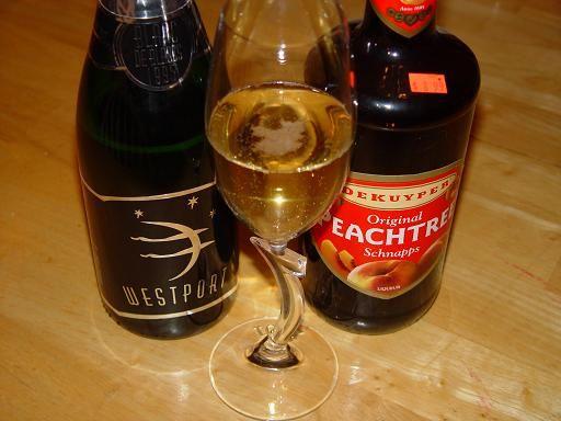 Easy Peach Champagne Bellini Recipe -     6 oz champagne  1 oz peache schnapps