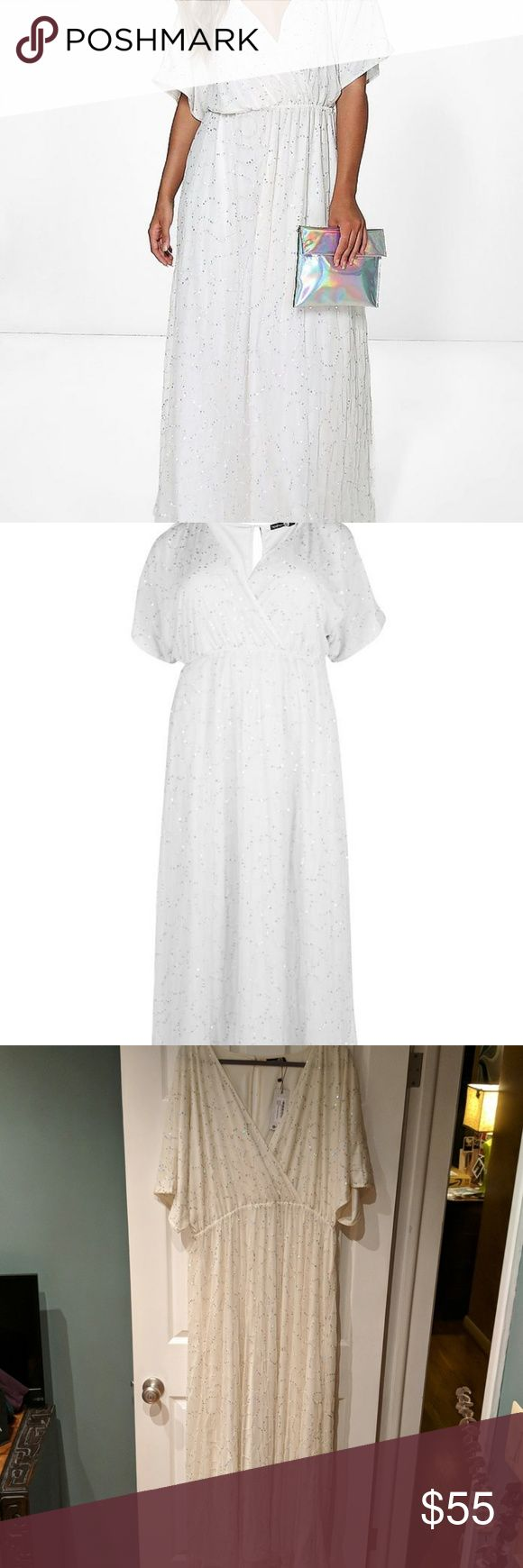 Plus Size Sequin Ivory wedding dress with sleeves this dress is DIVINE.  it's sparkly and it has sleeves and it's breezy and IT IS YOUR SIZE!    BOOHOO plus size us20 uk24.  Empire waist. Lined. Boohoo Plus Dresses Maxi