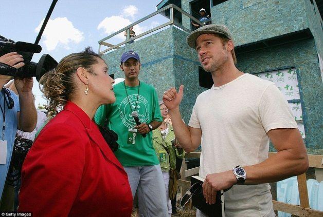 Brad Pitt constrói 109 casas para vítimas do furacão Katrina