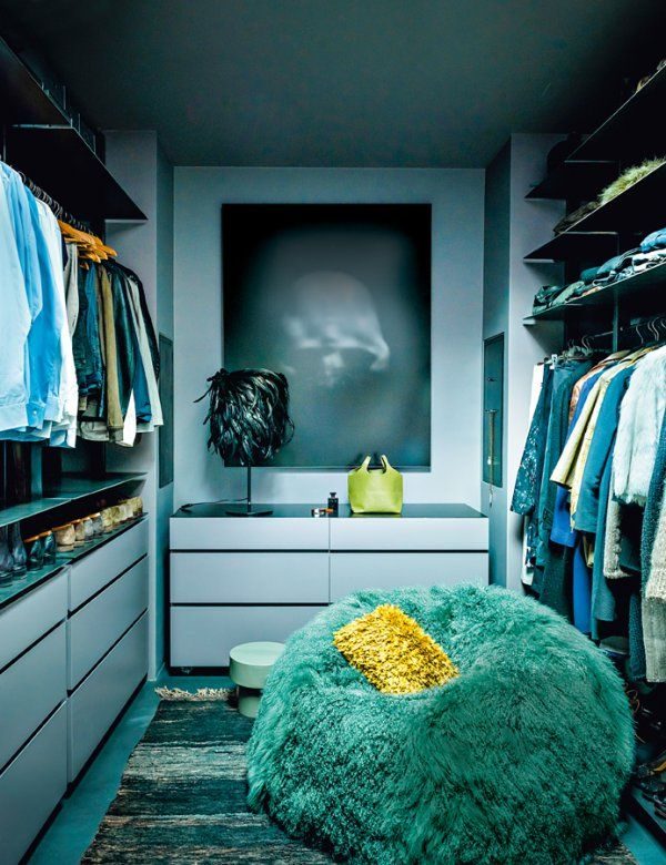 Blue and green dressing room, Pinterest. http://www.kenisahome.com