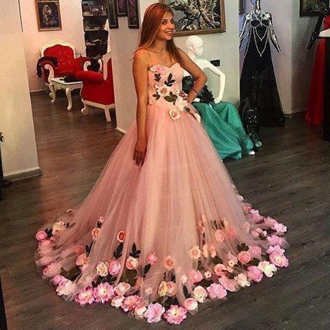 #nişanlık #yenimodeller #yenisezon #trend #moda #düğün #pembe #çiçekli #nişanlık #elbise #dress #evlilik #gelin #gelinlik #nisanlikmodelleri #nişanlı #nişanlıkmodelleri #bridal #bridetobe #provalar #weddingdress