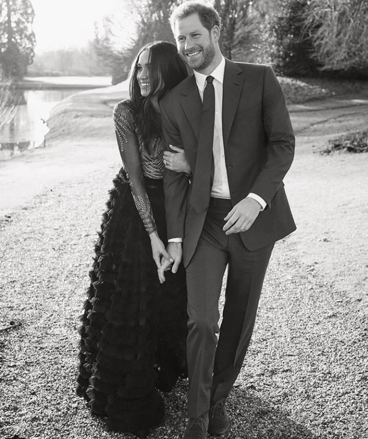 Die Bilder Ihrer Sturmischen Liebe Verlobung Fotos Prinz Harry Meghan Markle Verlobungsbilder