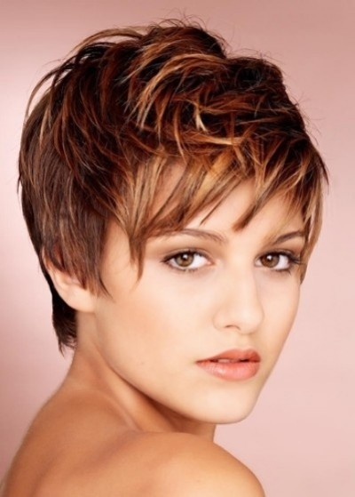 Short messy hairstyle with bangs for women