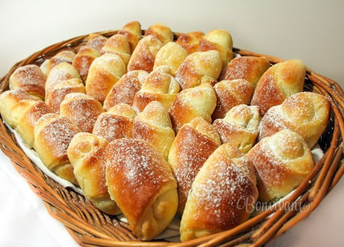 Babkine tvarohové rožky • recept • bonvivani.sk
