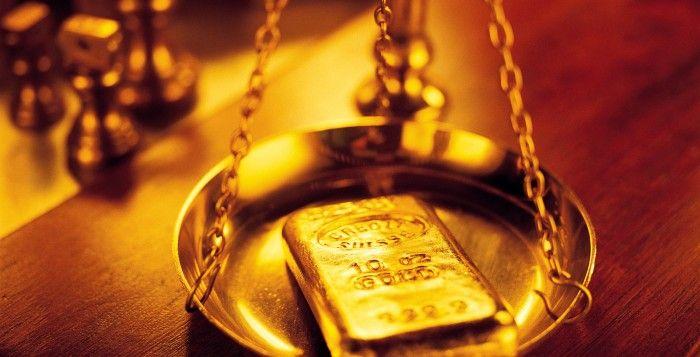 PT. Rifan Financindo Berjangka, Harga Emas turun di bawah $ 1.350 per ons pada…