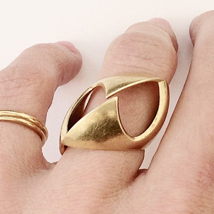 one off ring in 18ct gold made for my mum 1998...