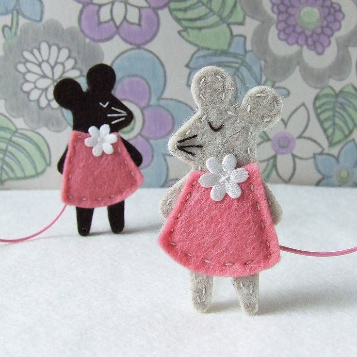 One for the make-list! Mouse brooches!