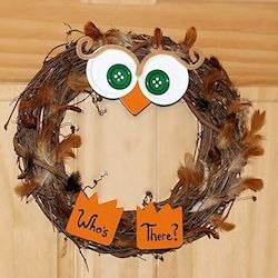 Who's There Owl Wreath | All About Family Crafts | Creative Spotting