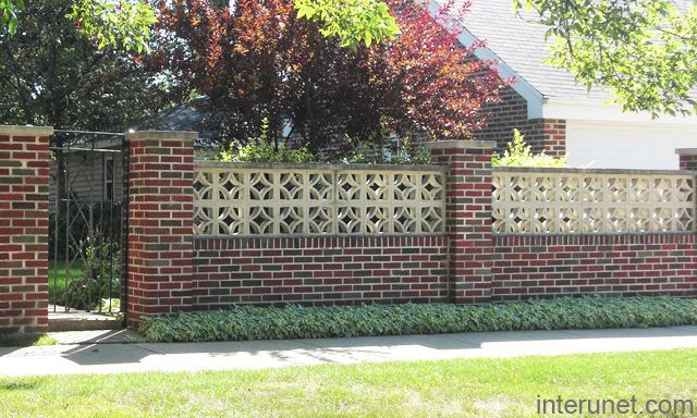 Stylish brick fence with gates entrada pinterest for Brick and wrought iron fence designs
