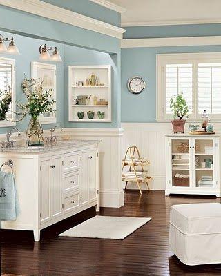 Amazing blue bathroom!!