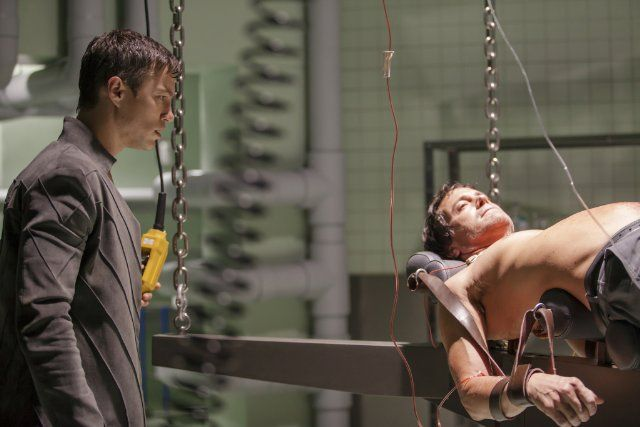 Dominion (TV Series 2014– ) photos, including production stills, premiere photos and other event photos, publicity photos, behind-the-scenes, and more.