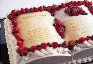 ブック型ウェディングケーキ