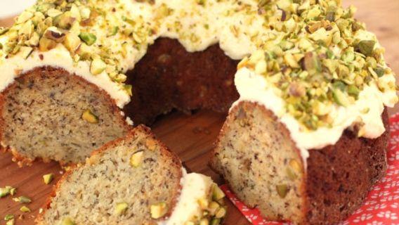 Gâteau aux bananes, à l'orange et aux pistaches