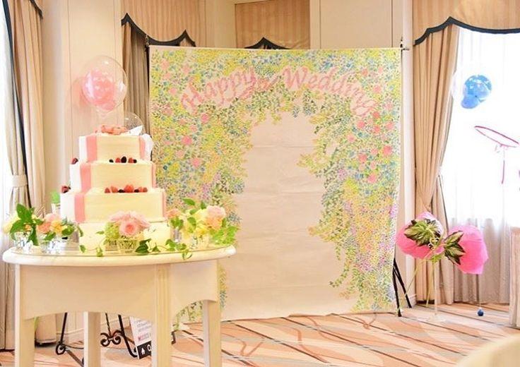 ♡#yurikenwd ♡ ウェディングケーキとフォトブース✨ この空間可愛すぎて,お気に入り 会場全体のベージュピンクな感じとも 絶妙にマッチしていて,大好き ジャイアントフラワーは友人からも 大好評で作ってよかったな フォトブースは @suzylemonade さんから お借りしました #スージーのジャイアントフラワー花嫁  #パーフェクトウェディング  #最高の結婚式  ✩ #happy #wedding #bridal #photobooth #weddingcake #フォトブース #ジャイアントフラワー #バルーン #ウェディングケーキ #flowers #balloon #プレ花嫁 #卒花 #結婚式 #ジャイアントフラワー #2016swd #2016春婚 #ホテルグランドパレス