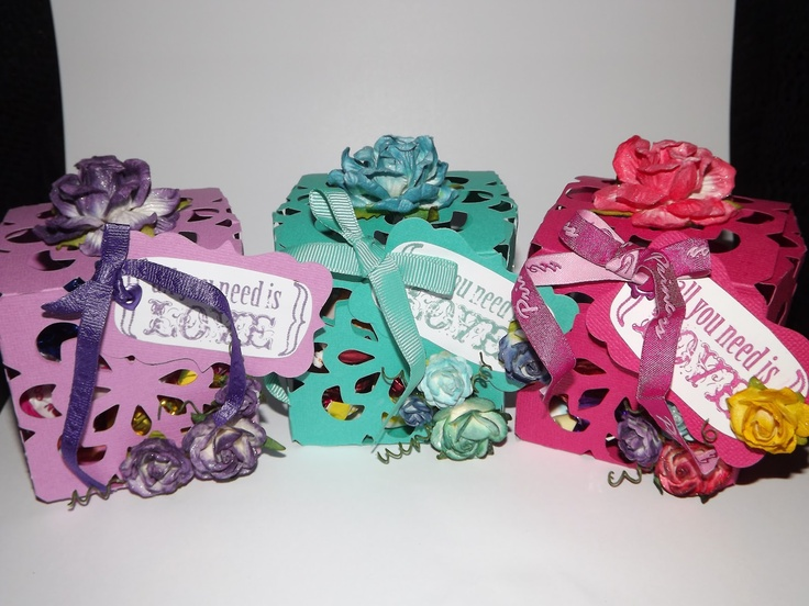 Valentines 2012 boxes. I used my ecraft and an SVG Cuts One Piece box svg with my Ecraft