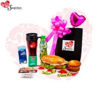 Desayuno Junior Vip. Hermoso regalo, para sorprender en cualquier ocasión, con estilo, le encantara. www.surprisesbogota.com tel: 4380157 Cel: 3123750098