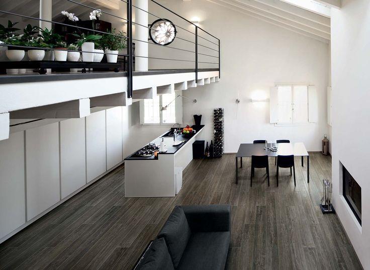Inspiration bois dans le salon avec du carrelage imitation parquet #cerim