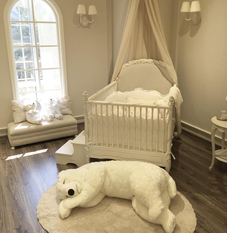 Best 25 luxury nursery ideas on pinterest baby nursery for Baby girl decoration room