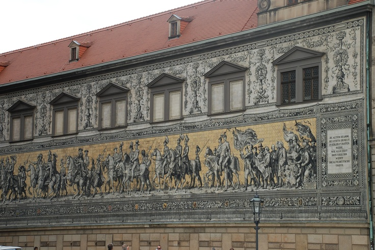 Procession of Princes, a monumental mosaic made of Meissen porcelain tiles