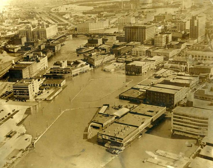 In 1935, exceptional floods occurred in May on Seco Creek, in June on the Colorado and Nueces Rivers and their tributaries, and in December on Buffalo Bayou. This photo shows a washed out downtown Houston after Buffalo Bayou flooding in December 1935.  Photo: Houston Press / Houston Chronicle