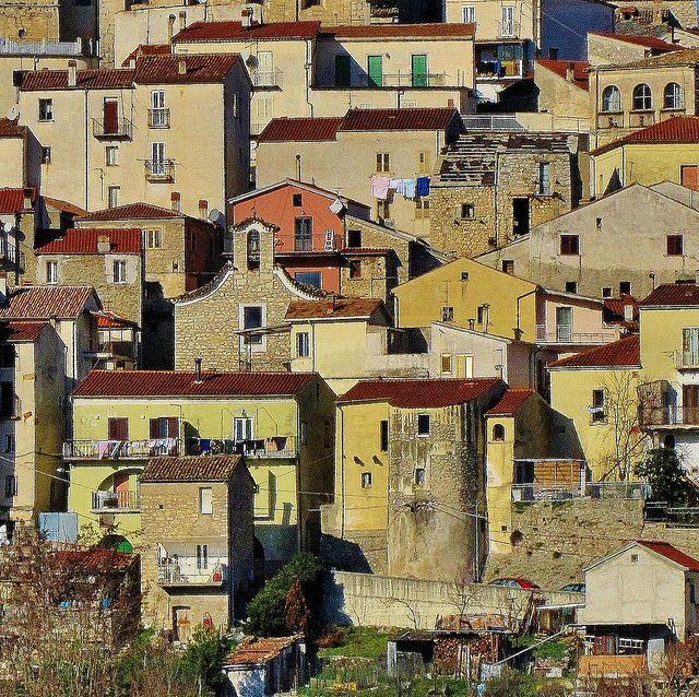 Centro antico di #Carpinone #Isernia #Molise #Italy - By archifra-francesco de vincenzi, via Flickr -  #AbruzzoRuralProperty