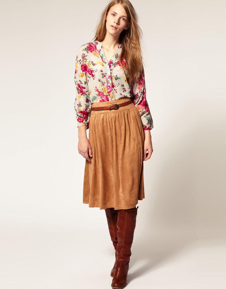 Замшевые юбки (83 фото): с чем носить юбки из замши, с запахом, с бахромой…