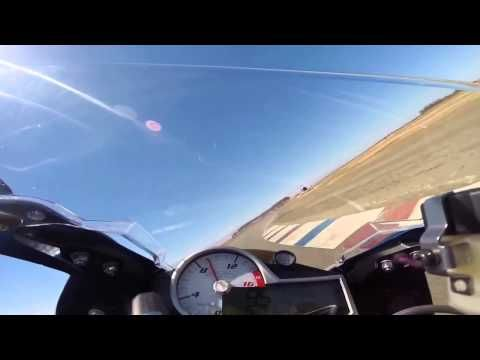 2015 BMW S1000RR vs 2015 Yamaha R1 top speed