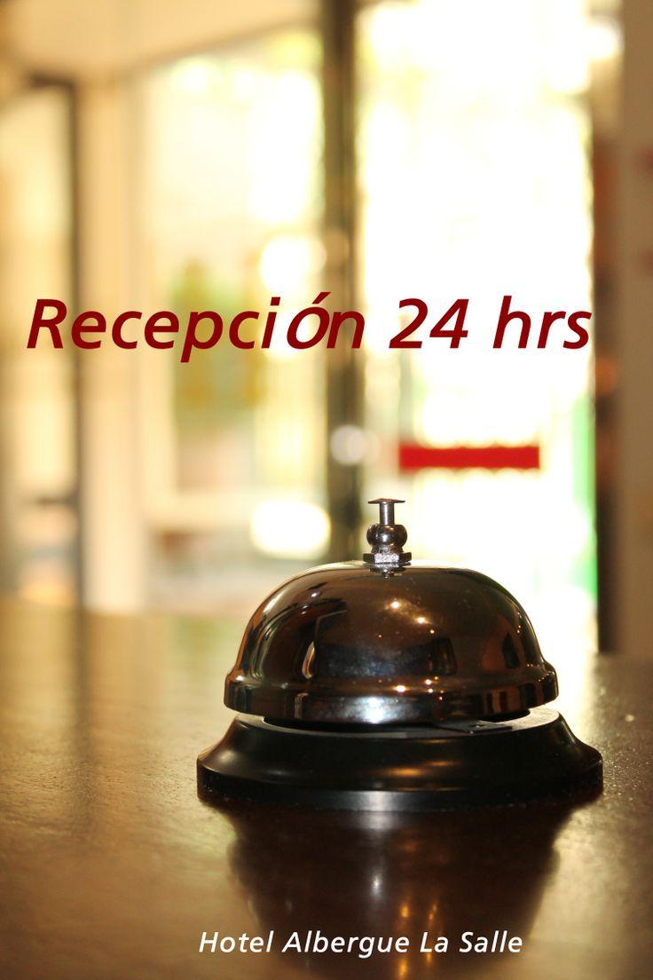Recepción 24 hrs tanto en el hotel como en el albergue. #hostallasalle #alberguelasalle. #santiagodecompostela #caminodesantiago