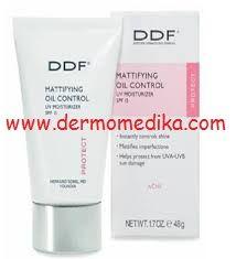DDf Akne Control Treatment 1.7 oz 48gr-Akne Tedavisi için Gece Kremi  Yüzünüzdeki akneleri götürürken canlı bir cilde sahip olmanızı sağlıyor.