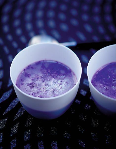 Velouté de chou-fleur violet et saumon fumé pour 6 personnes - Recettes Elle à Table - Elle