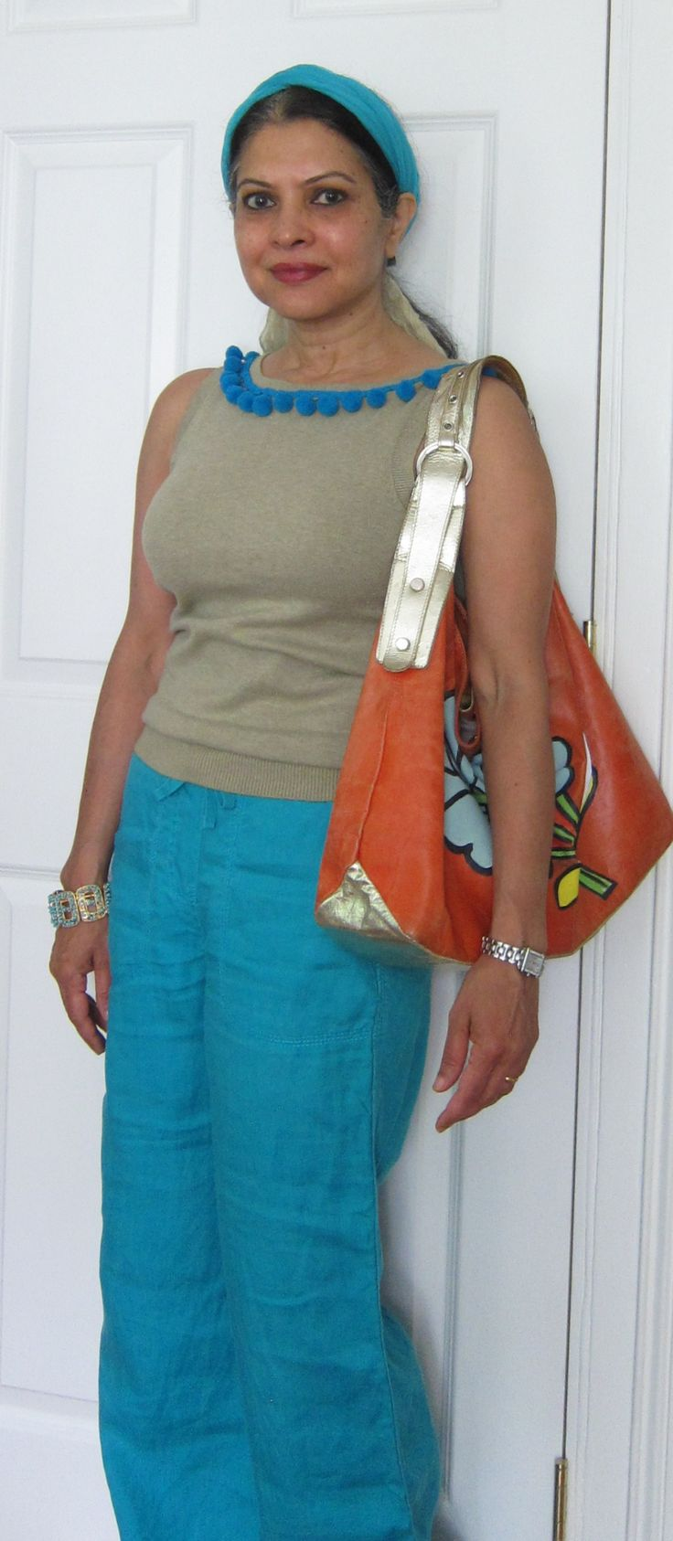 Zara top with pompoms added by me, Marks and Spencers wide leg linen pants, chiffon scarf, turquoise bracelet and Basta bag with painted flower by me - 2017