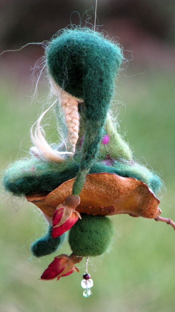 Needle felted Waldorf inspired Mobile Ornaments por Made4uByMagic