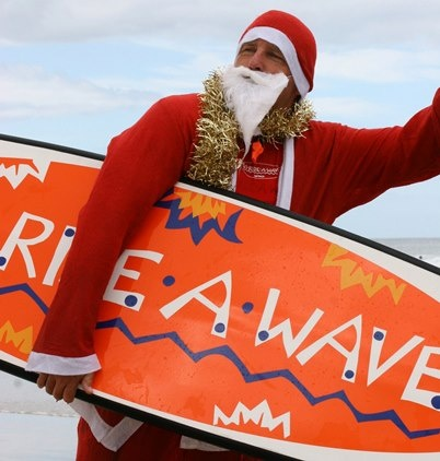 Great gift idea to put under the tree is a surf lesson in Noosa | Go Ride a Wave