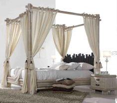 Visita il nostro catalogo online dove potrete scoprire bellissimi letti a baldacchino per il vostro arredamento. Top Home, il tuo negozio online. www.decorazioneon...