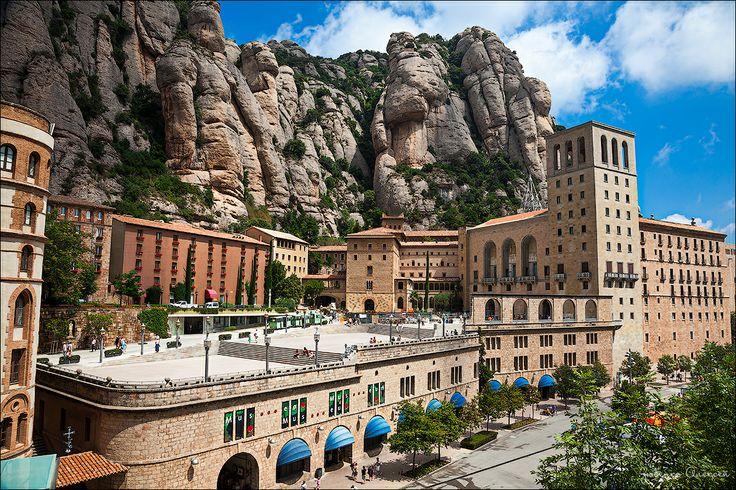 Монастырь Монсеррат (Santa Maria de Montserrat Abbey)